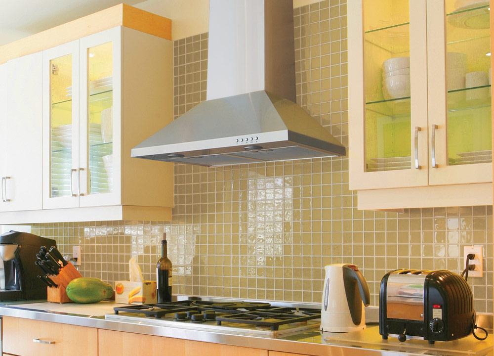 Как установить кухонную вытяжку самостоятельно